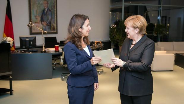 Kanzlerin und Kabinett vereidigt